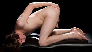 The spotlight is on Kurt Summers who's at his attractive and candid best for his solo Helix Live Show. Watch him interact with our viewers and stroke out a young load. Nothing is off the table including Kurt's slutty fantasies in this intimate live show.