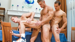 Liam & Luca Rosso get serviced by muscle stud Landon Conrad