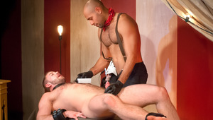 Leo punch-fucks Shay's prostate with electro stimulation