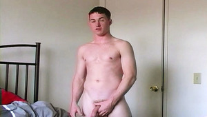 sweet military dude wanking off and jizz all over himself !