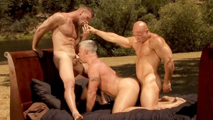Amazing 3some with gays in heat swallowing & fucking like crazy