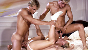 2 fit dudes pick up an sweet stranger to have a 3some