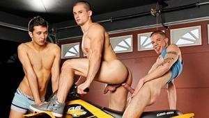 Anthony RomeroSteven, Shields & Sergio Long fuck in a garage