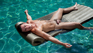 """Muscular man Paddy O""""Brian jerks off in a swimming pool"""