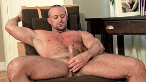Alone with an XXX magazine, he enjoy himself until he cums!