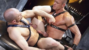 Saint relentlessly rides Reynolds' hole until both studs cums