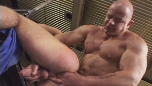 Handsome muscular dilf fuck a very cute muscle lover at work