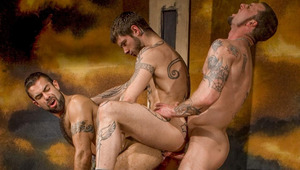 Middleman Logan pounds Steve\'s hole while Ricky pounds his