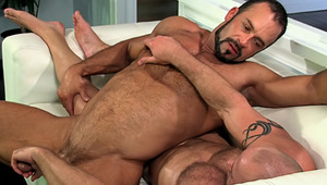 attractive Muscled dude Gets A penis Massage From His Hot boyfriend