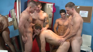 Strip club owner Colby Jansen only has room for 3 out of 4 dancers and since no one wants the night off, everyone agrees that a (lap)dance-off is the only way to see who's sugar will generate the most money for Colby. Like all good strippers, the guys are