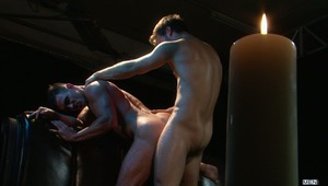 French Canadian Gabriel Clark travels to the UK for his first ever scene with MEN.COM and what a scene - he is only the 2nd porn star to fuck Paddy O'Brian's glorious ass!  And usual top Gabriel gets his bubble butt fucked too! The action is passionate bu