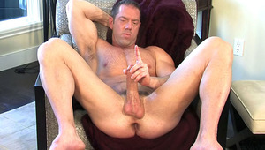 Sculpted body becomes naughty for his & your pleasure in HD !