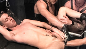 Lucky bottom Rodd Ryder takes a fistfuck from 3 guys