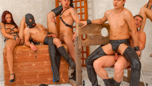 Bisex orgy rides to exhaustion, 4 males spunk on the 5th's hole