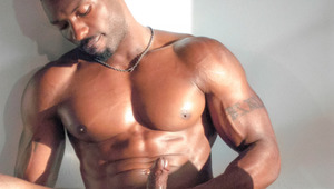 Sexxx Toy keeps it lean & loose with a nice stroke routine