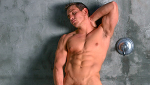 Dylan soaps up & gently rubs the muscles of defined body