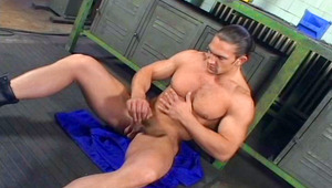 Muscular man enjoys his meat and cum all over himself