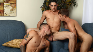 Joey has a hard time cheering up Sean after his fight with Angel. until they find a hot dude at the gym.