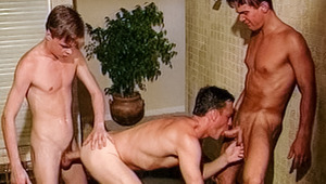 Try and keep yourselves dry after watching this hot threeway