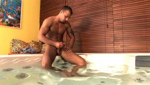 Jimmy Visconti on a solo masturbation session in a jacuzzi