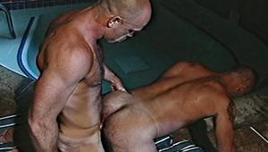 Gear finger mounts Horst's ass underwater like a jackhammer