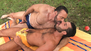 Bearded guys Damien Stone & Brad Kalvo suck eachother outside