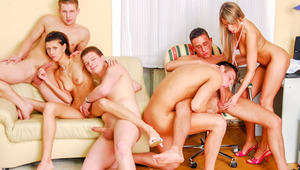 College Party Turns Into A monstrous Bisexual Orgy! Not To Miss!
