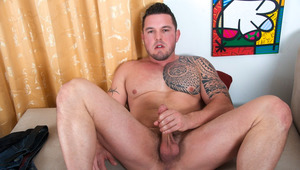 Husky hunk jerks his rod off with spit until he cums hard
