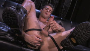 Jason Crew shoots a hot creamy load of sperm in his own mouth