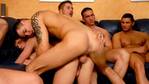 Tons of sexy males sperm in a pretty guy's behind hole !