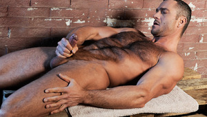 Hairy Hunk Sergio Soldi jerks off & gives himself a facial