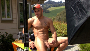 Outdoor photo shoot with Austin Wilde & an Off-road machine!