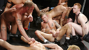Twisted ends with an unbelievable, powerpacked 10 stud orgy !