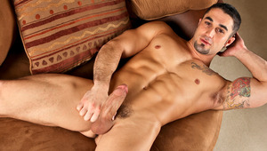 Samuel O'Toole in a charming & intimate schlong stroking session