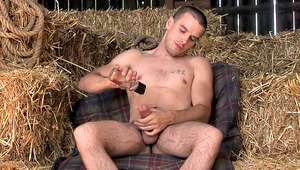 Fantastic dude wanking off his penis in a barn. HD quality!
