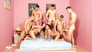 5 bisex guys blow meat and pound two whores at the same time