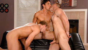 3 horny men blow monstrous cock then fuck 1 of them in the butt!