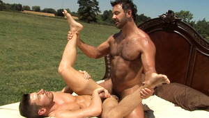 guys making love under the sun until they both ejaculate!