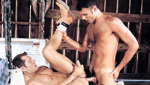 Nino Bacci takes Brandon Warners fat manrod up his asshole